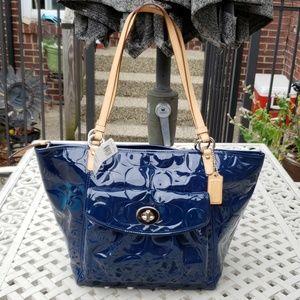 Coach Patent NWTs Lg Leah Bag